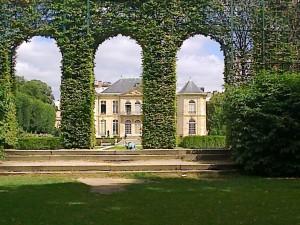 """Rodin museum garden in Paris"""