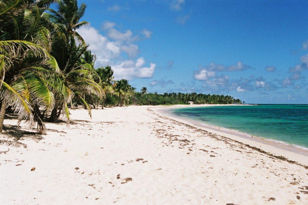 """French Antilles in Caribbean area - plage des Antilles"""
