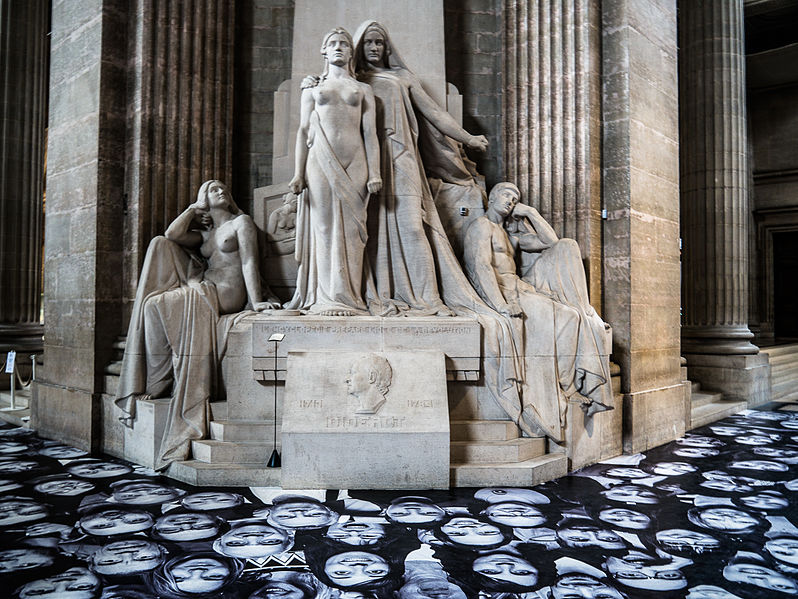 """Parisian Pantheon - Sculpture"""