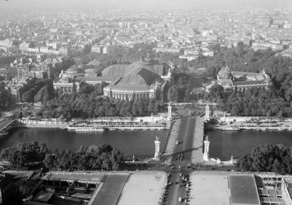 """Parisian Art Gallery - Vue aérienne 1951"""
