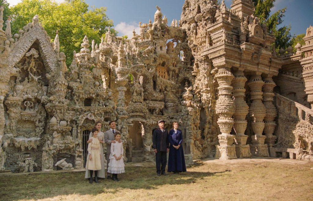 """Postman Cheval's ideal palace - Nils Tavernier, Laeticia Casta et Jacques Gambelin"""