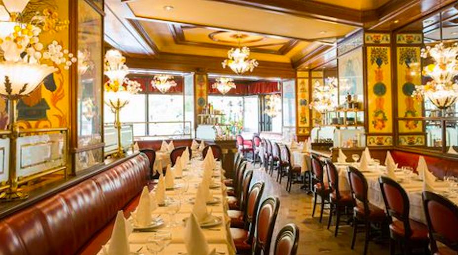 """""""brasserie bistrot or restaurant- Au pied du cochon"""""""