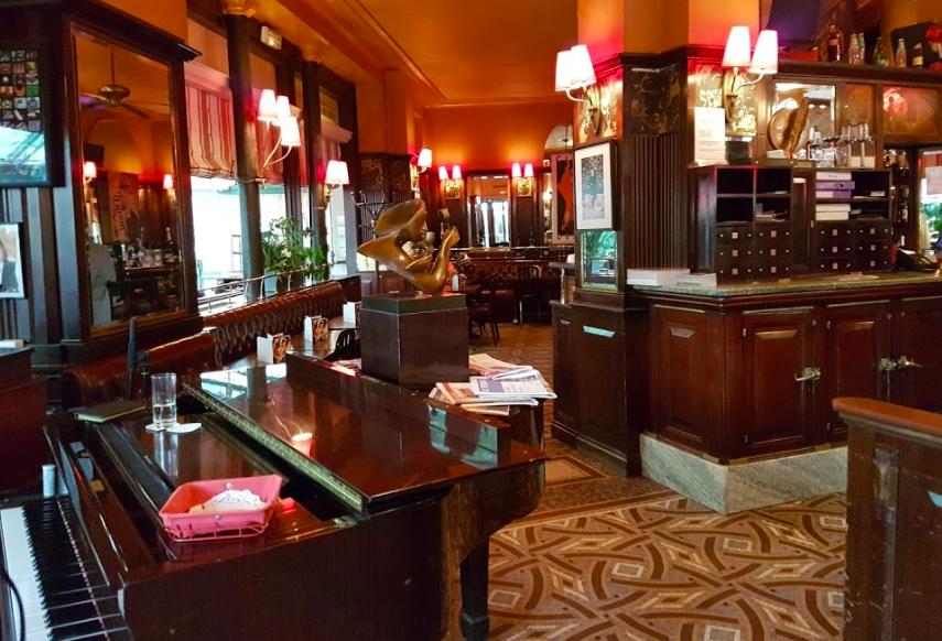 """brasserie bistrot or restaurant- La Closerie des Lilas"""