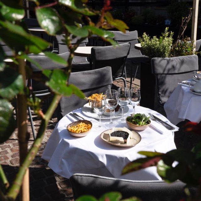 """""""Parisian café terraces - Chez Julien - La terrasse"""""""