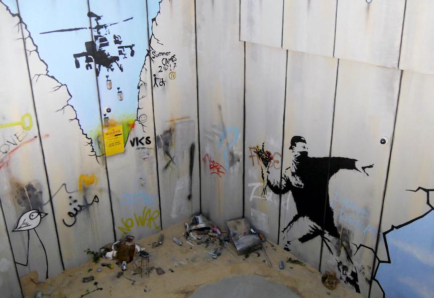 """Modern Art - Lafayette-Drouot - Bansky"""