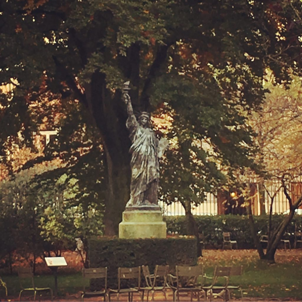 """Parisian Luxembourg gardens - Liberty Statue"""