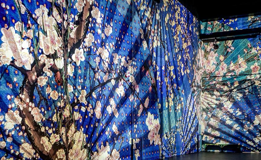 """""""French museums - Le Japon rêvé de L'atelier des lumières"""""""