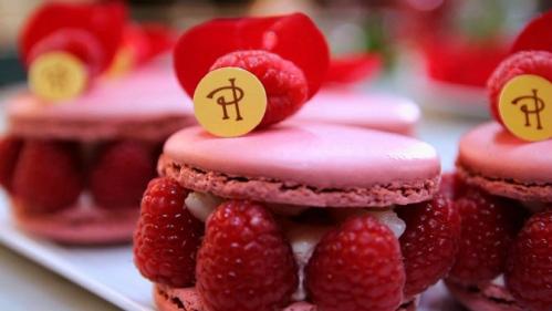 """Pierre Hermé Ispahan cake - The classic Ispahan Macaron"""